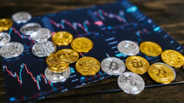 Власти Сальвадора после признания биткоина закупают криптовалюту
