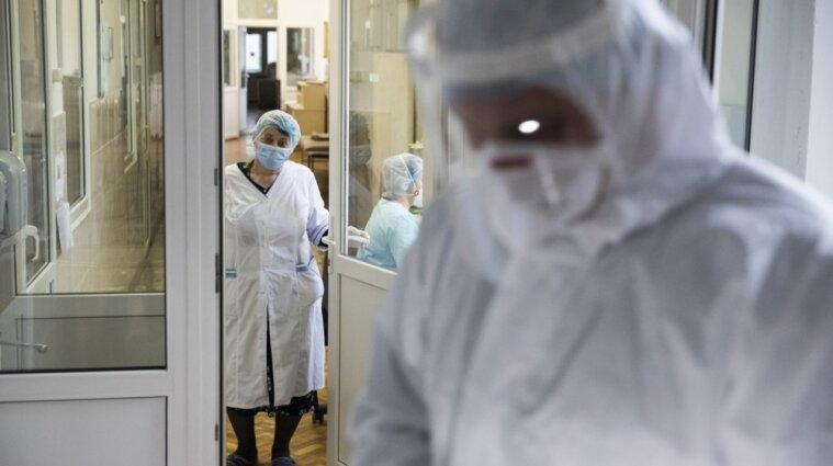 Понад 54 тисячі українців померли від ковіду з початку пандемії