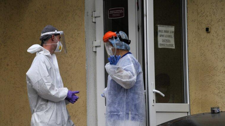 З київських медзакладів звільнились понад сім тисяч працівників