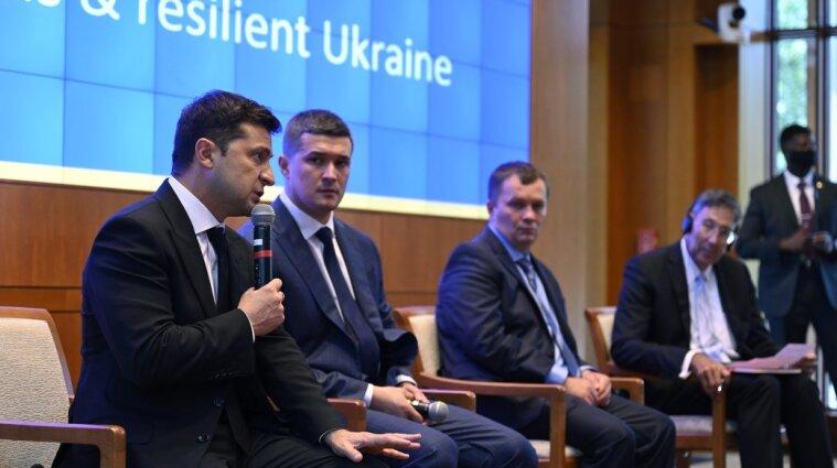 Зеленский представил План трансформации Украины во время визита в США