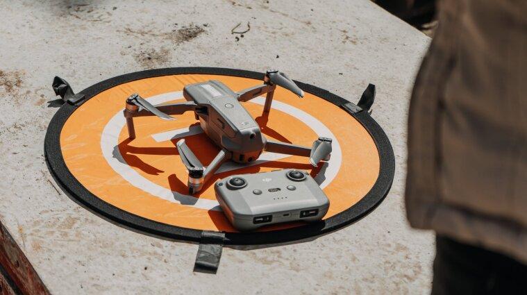 В Малайзії поліція виявляє хворих на COVID за допомогою дронів
