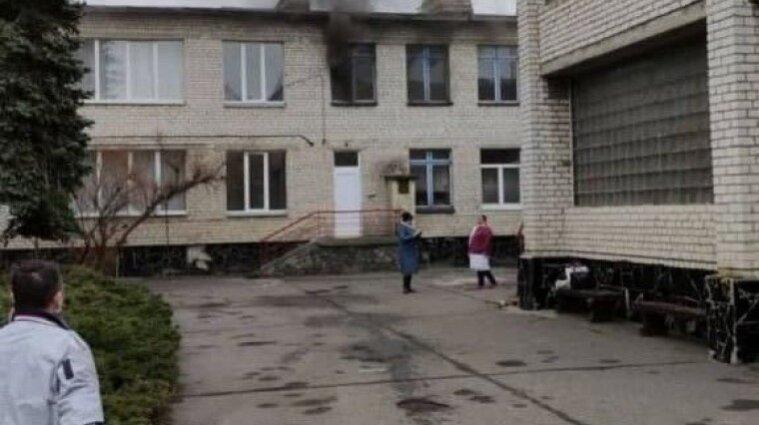 У Київській області загорівся дитячий садок (відео)