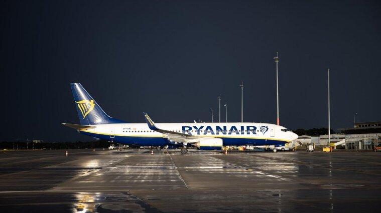 """В Польше пилот Ryanair не пускал украинцев на борт и называл себя """"королем самолета"""" - СМИ"""
