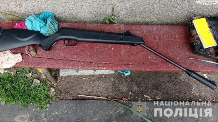 Розважалися з рушницею: 13-річний хлопчик вистрелив у свого товариша-підлітка
