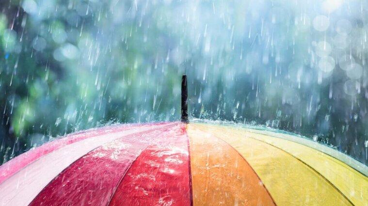 Циклон с дождями задержится над Украиной до конца недели
