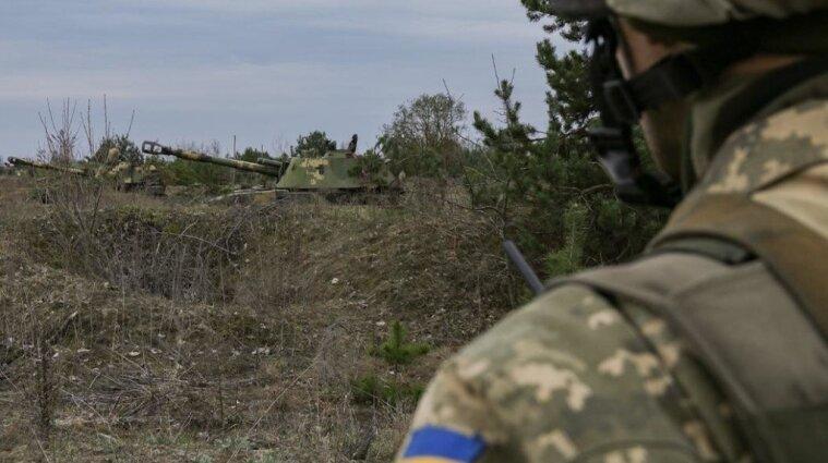 У районі Гнутового поранили українського військового