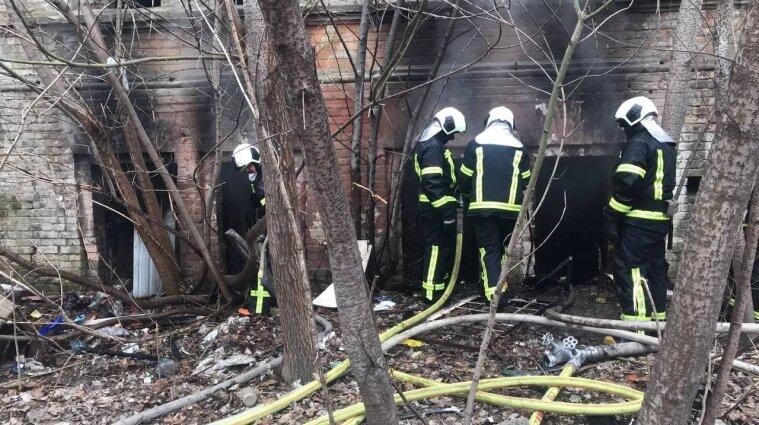 Коронавірусна лікарня горіла в Києві - фото