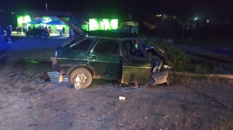 На Сумщине легковушка столкнулась с грузовиком: пострадали трое детей (фото)