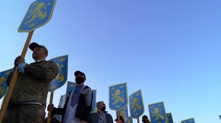 """Марш в честь дивизии СС """"Галичина"""": в ОП призвали наказать причастных"""
