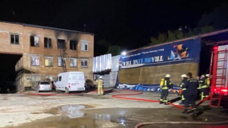 У Києві загинув чоловік через пожежу в хостелі