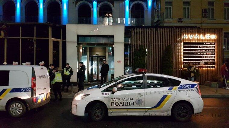"""Ресторан """"Авалон"""" у Києві викрили на роботі під час локдауну (фото,відео)"""