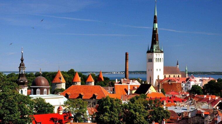 Естонія дозволяє туристам не проходити самоізоляції - умови
