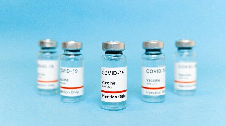 Велика Британія розпочинає масову вакцинацію від COVID-19