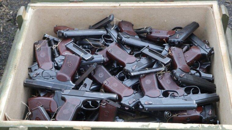 Огромный схрон оружия нашли в Мариуполе - видео