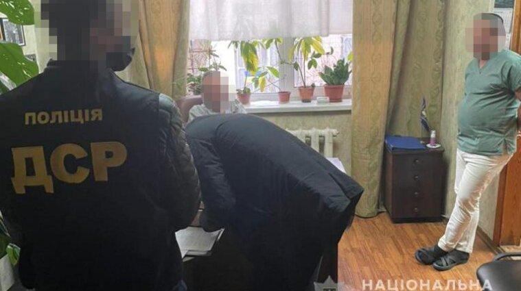 У Києві патологоанатоми вимагали хабарів у родичів померлих від коронавірусу