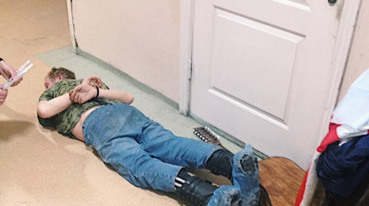У Києві п`яний з гітарою напав на медиків в операційній