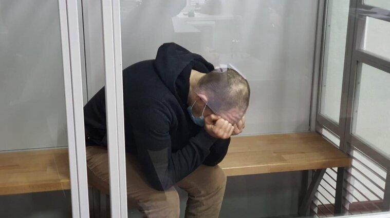 Молотком вбив матір, жінку та двох дітей: чоловік отримав довічне ув'язнення, але провину не визнав