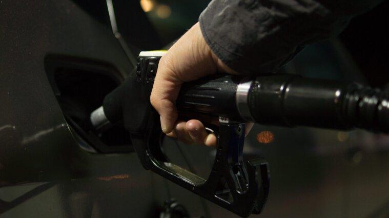 Министерство экономики снизило цены на бензин и дизель