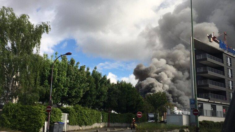 У Франції горить завод з хімікатами - фото