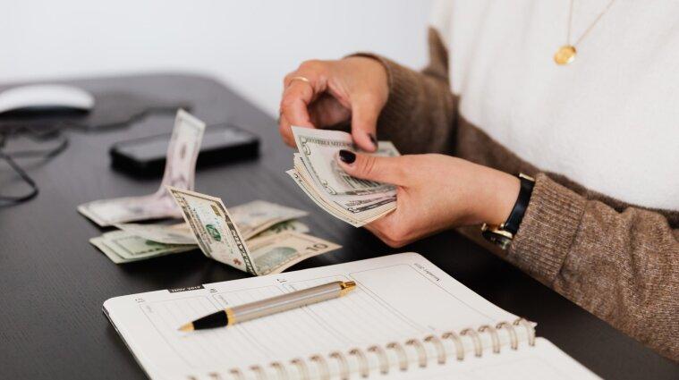 Более 350 тыс. предпринимателей получили 8000 гривен за карантин