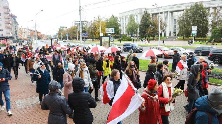 В Білорусі на протест вийшли студенти та жінки - затримано 10 учасників