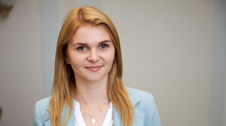 """Послушала Хомчака и сделала выводы: нардеп-""""слуга"""" написала, что надо валить из Украины"""