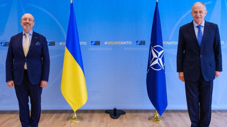 В НАТО обеспокоены использованием тяжелого оружия оккупантами на Донбассе
