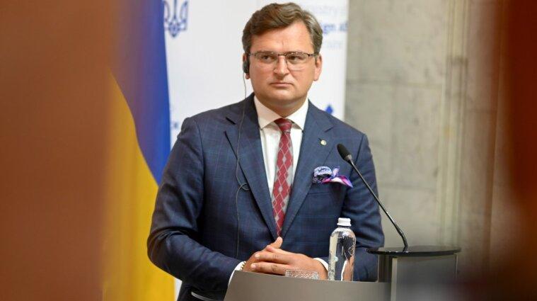 Кулеба не розуміє, чому НАТО не запросило Україну на червневий саміт на тлі агресії Росії