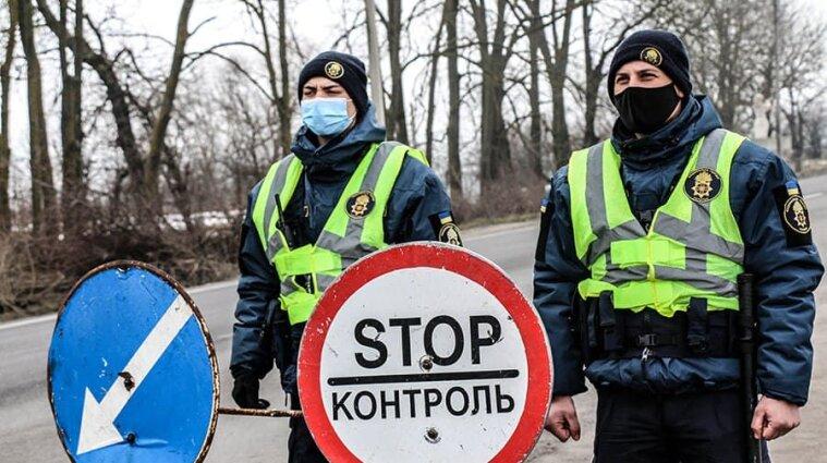 В Ивано-Франковской области снимают блокпосты на въездах