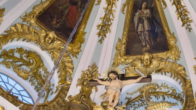 Воздвиження Хреста Господнього відзначають віряни: прикмети та заборони