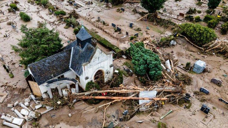 Наводнение в Германии разрушило дома и унесло жизни 169 человек