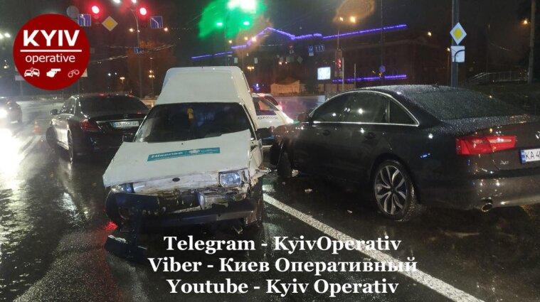 У Києві водій ЗАЗ скоїв дві ДТП за вечір і втік з місця пригод