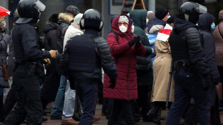 "Почти 300 активистов арестовали в Беларуси из-за ""Марша народного обвинения"""