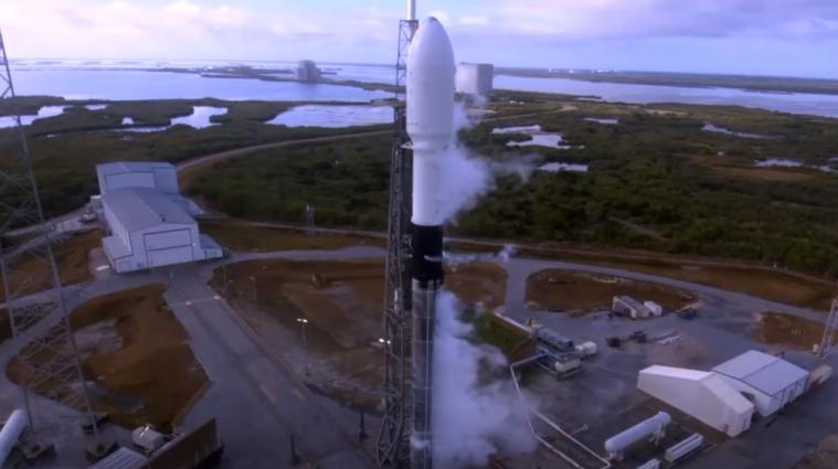 Компанія Маска запустила ракету з рекордною кількістю супутників - відео