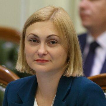 """Кандидата на заміну Авакову немає: велике інтерв'ю """"Слуги народу"""" Євгенії Кравчук"""