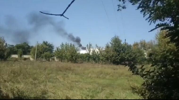 На оккупированном Донбассе взорвалась нефтебаза (видео)