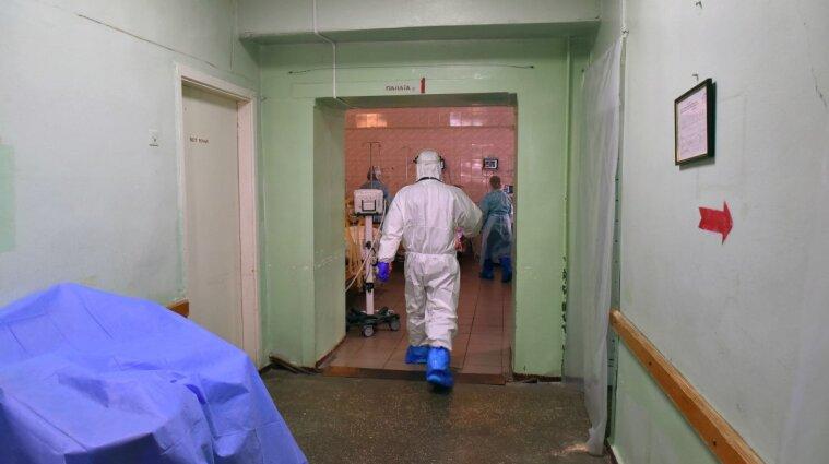Коронавирусом заболели еще более 2,2 тысячи украинцев