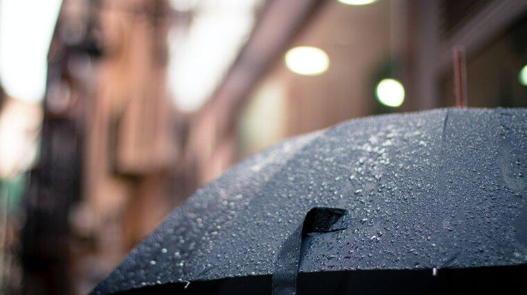 Дожди и снег - синоптики сообщили о погоде в Украине