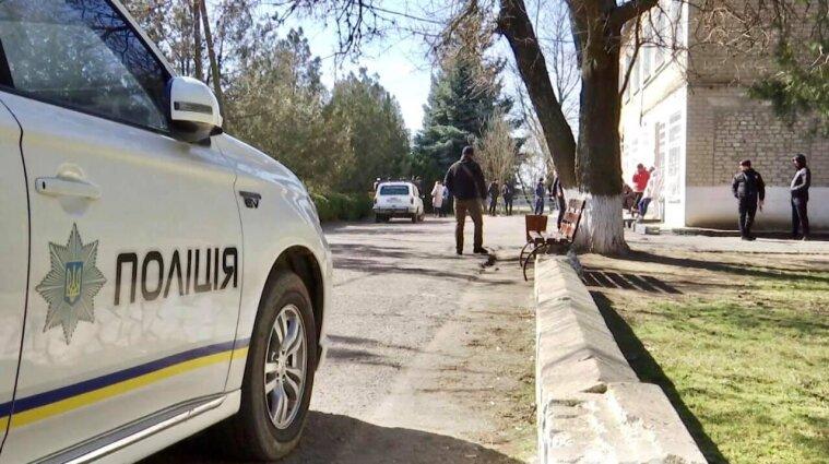 Экс-депутат в Киеве пытался сжечь квартиру, в которой было четверо детей - фото