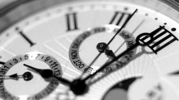 В октябре Украина перейдет на зимнее время: когда переводить часы