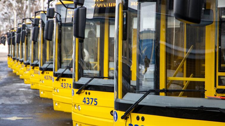 В Киеве могут вернуть спецпропуска для транспорта: условия