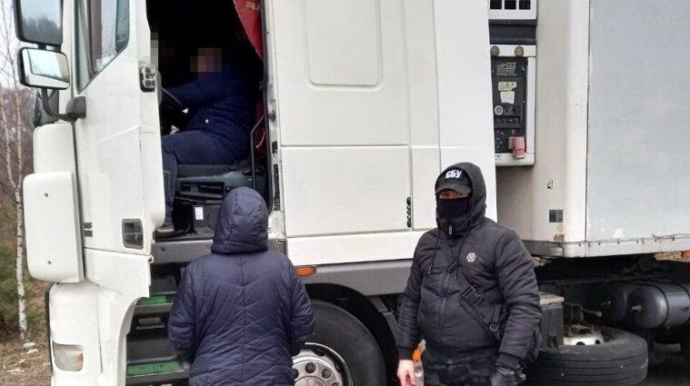 СБУ спіймала українців, які незаконно постачали окупантам лікарські засоби