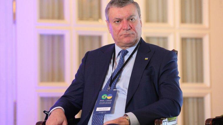Шмыгаль требует объяснений от Уруского за прогулку с Кадыровым