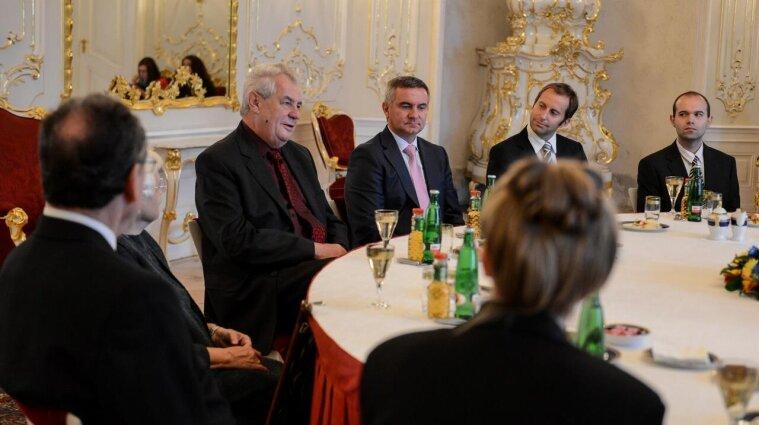Президент Чехии Милош Земан попал в больницу - что случилось
