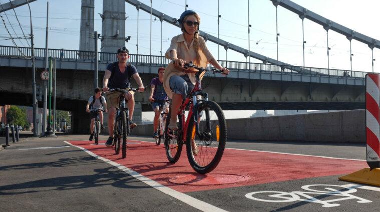 В Украине велосипедистам разрешили ездить полосами для общественного транспорта