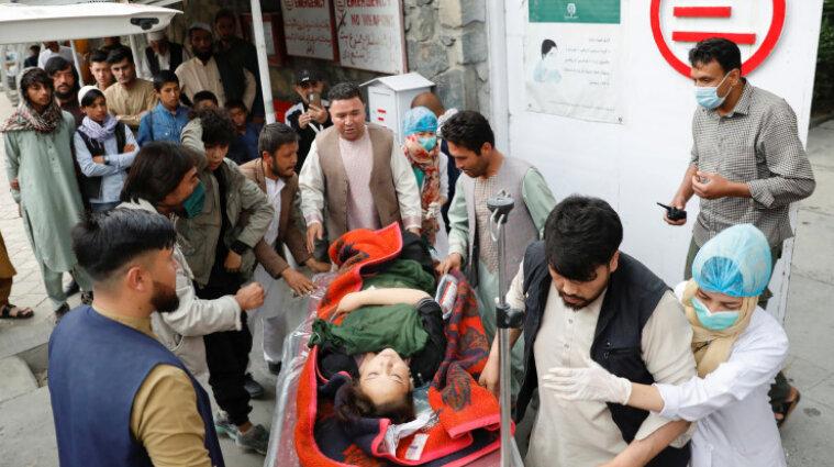 Почти 60 погибли в Афганистане при взрывах - большинство погибших дети
