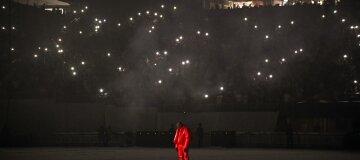 Фанат Канье Уэста продает воздух с концерта рэпера