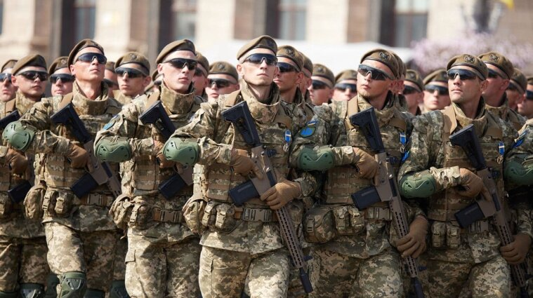 В Україні хочуть змінити деякі військові звання відповідно до стандартів НАТО