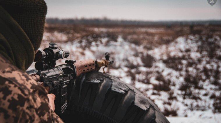 Потери на Донбассе: у Светлодарска убили украинского защитника, еще один ранен