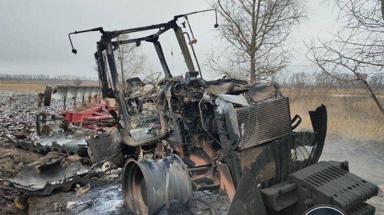 В Донецкой области взорвался трактор John Deere во время работ на поле